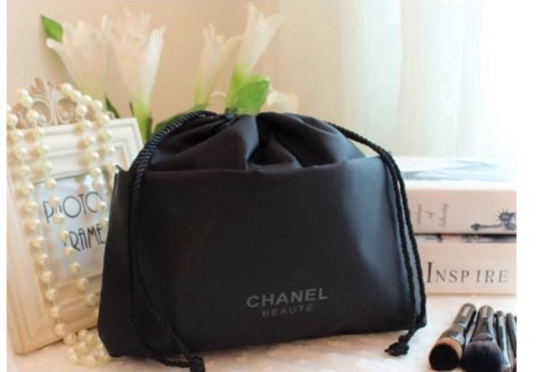 5c92622ed6f6 Chanel VIP Gift-Drawstring Pouch, Women's Fashion, Bags & Wallets ...