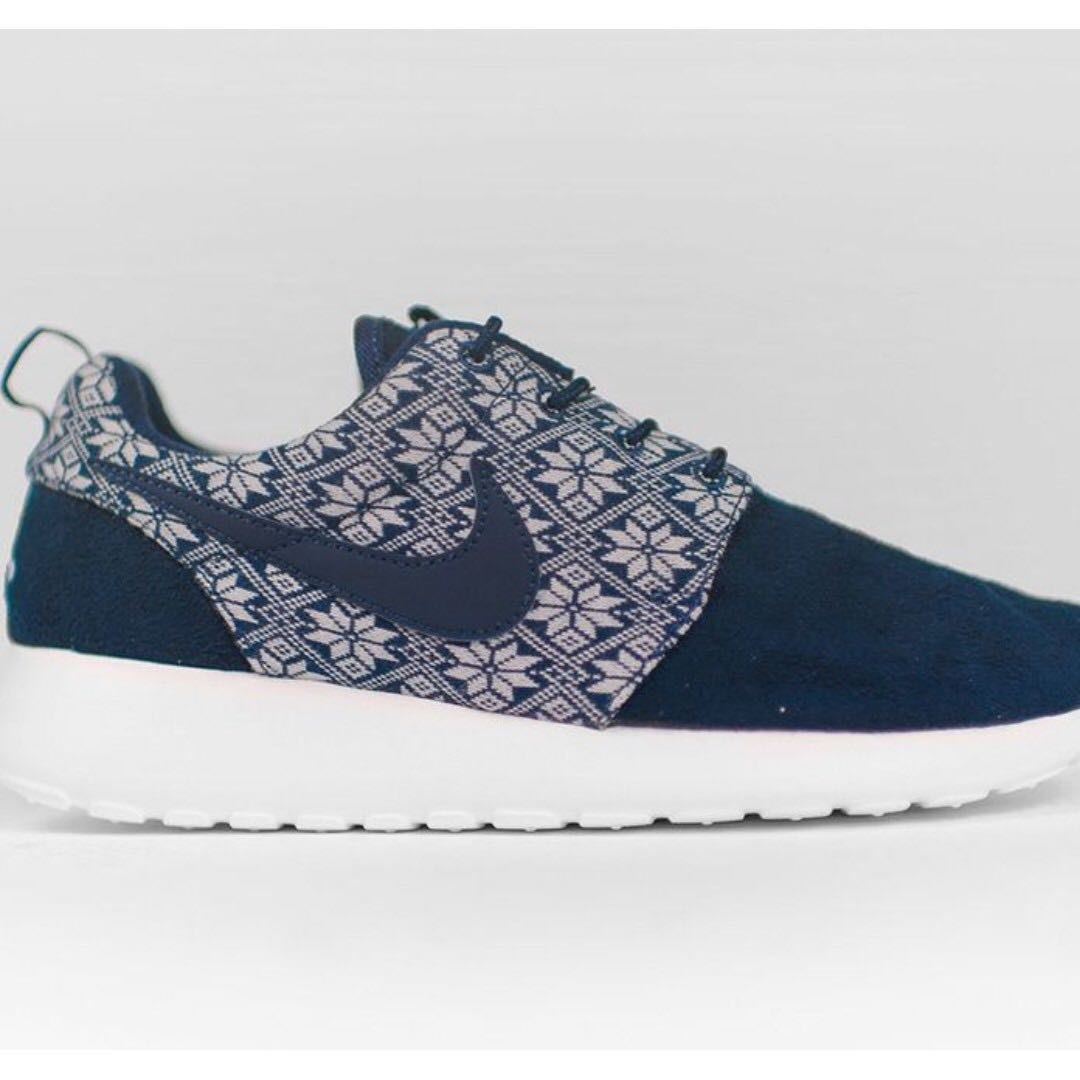 307001c24bd7 LIMITED EDITION BLUE UNISEX NIKE ROCHES YETI DESIGN