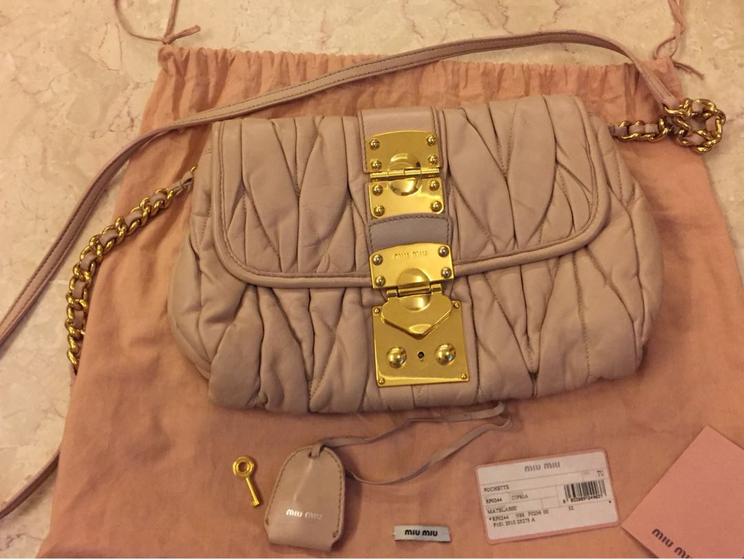 04f19e12f4b2 Miu Miu Crossbody bag in Mughetto (pastel pink)