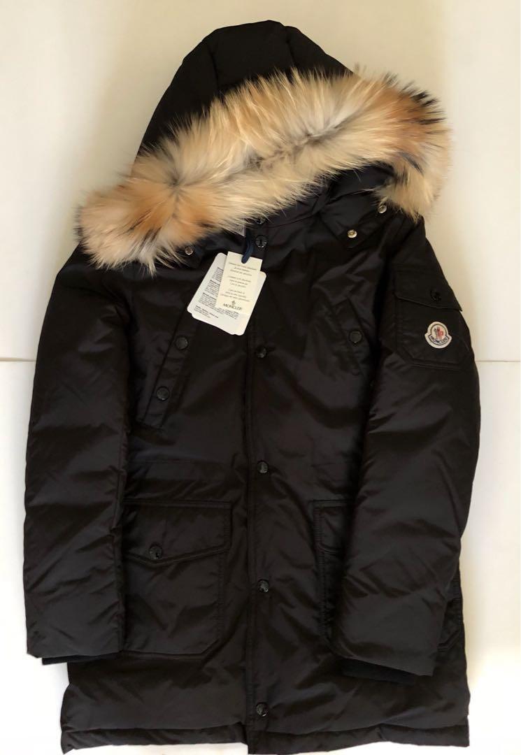 8de3139d7215 Moncler down coat Yann