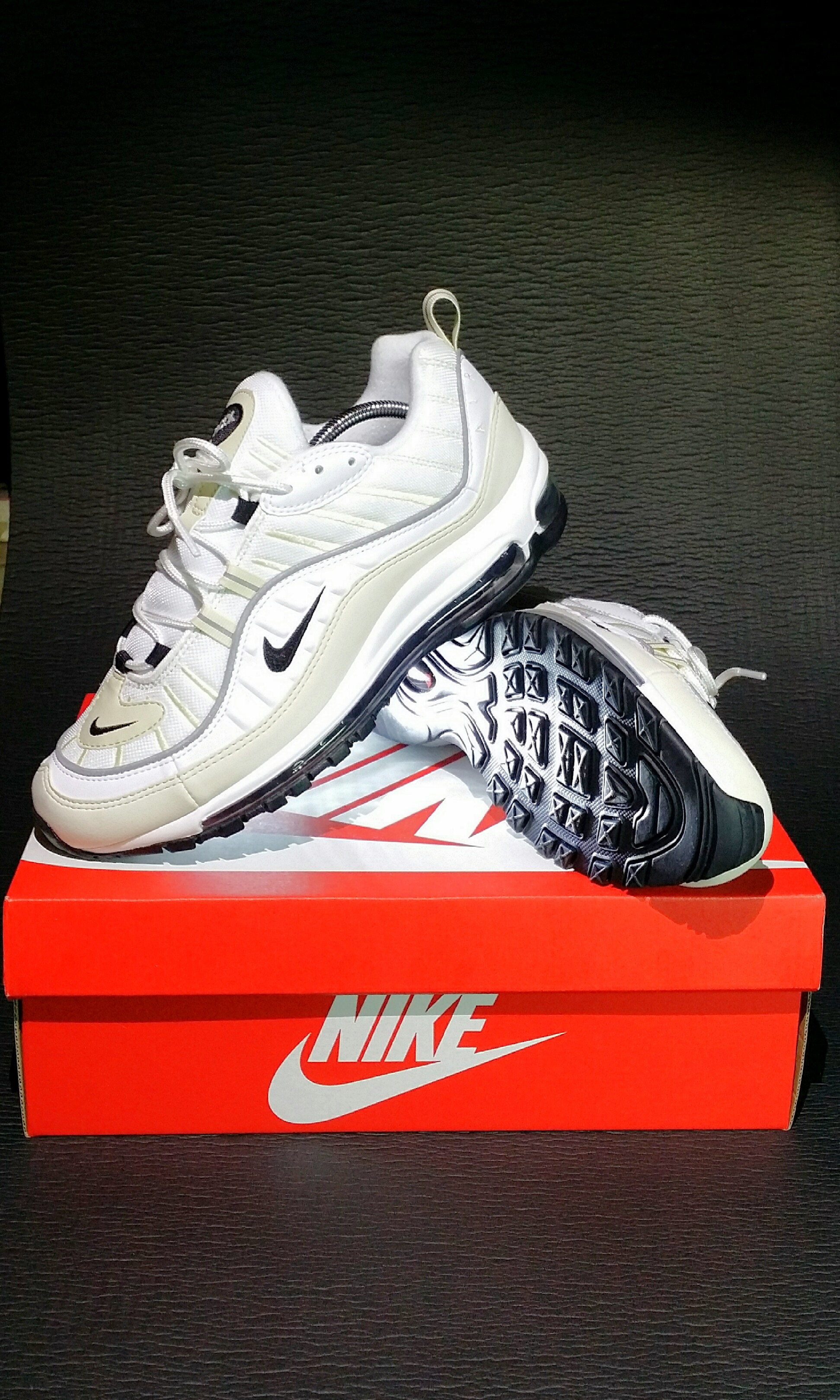 uk availability a4839 2d7c2 Nike Air Max 98 Fossil (Womens)