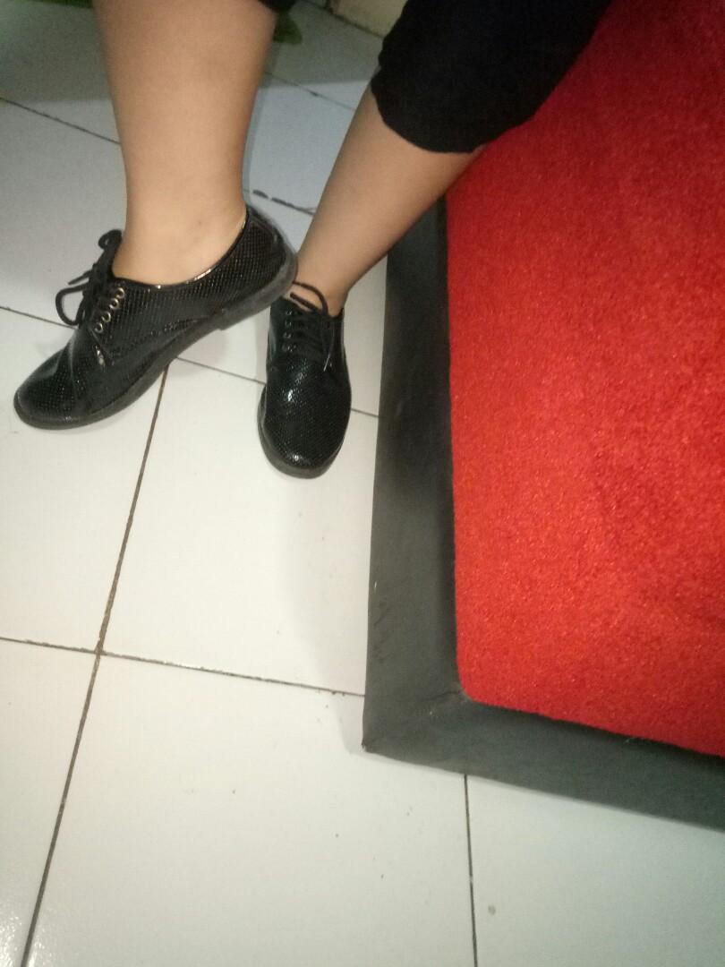 Sepatu Wanita Docmart Donatello full hitam
