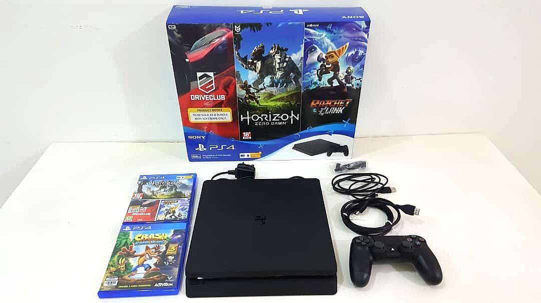 Sony PlayStation 4 PS4 Slim 500GB Hit Bundle (Free 4 games)