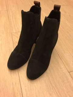 Lv Boots 全新