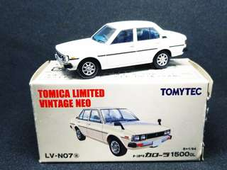 Tomica Limited Vintage Neo Toyota Corolla 1500 GL