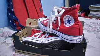 CHUCK TAYLOR / RED