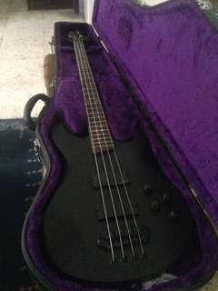 Bass Cort EVL-Z4B Active + hardcase RKS