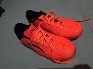 Sepatu futsal specs uk 43