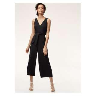 Wilfred écoulement v jumpsuit / Size 10 / Black Aritzia