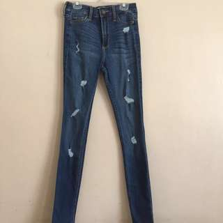 Hollister Highrise Super Skinny Jeans