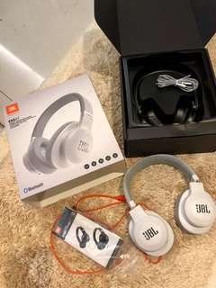 JBL wireless ear headphones