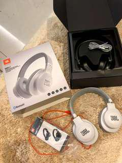 JBL wireless ear headphones