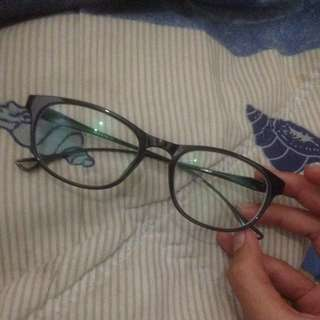 kacamata -1.75 kanan kiri