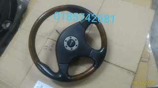 Steering momo L9