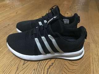 🚚 Adidas 休閒慢跑鞋