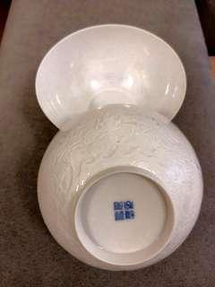 景德鎮白瓷(薄胎)龍紋碗一對