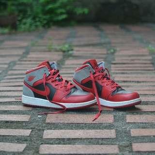 Jordan 1 Fire Red NEGOTIABLE