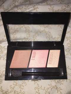"Maybelline MasterContour Pallet in the shade ""Medium to Dark"" (20)"