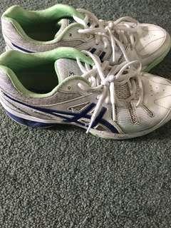 Women's ASICS sport netball shoes