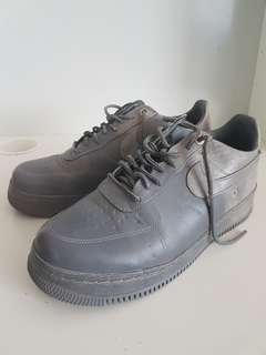 NIKE air force 1 low pigalle cool gray. SIZE 8