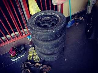 Used car tyres n rim