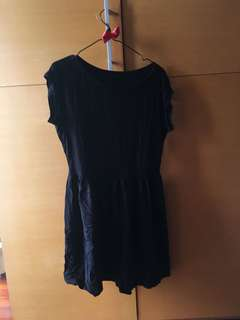 🚚 🇯🇵 uniqlo 黑色拼接圓領洋裝 #女裝半價拉