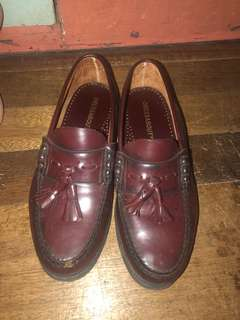 Leather shoes tassle