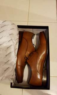 Mens brand new_never been worn shoes
