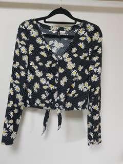 H&M daisy print long sleeved blouse