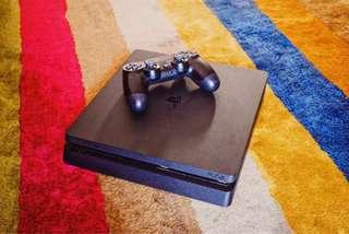 Playstation 4 ( Slim )