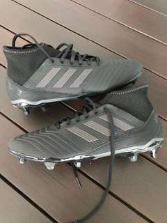 🚚 Adidas Predator boots
