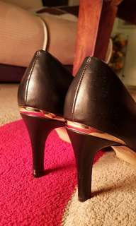 Only wore them once- woman's heels