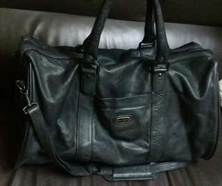 PIERRE CARDIN hand carry leather