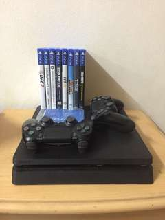 Ps4 slim with 2 controller