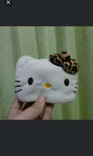 Dompet bulu uang koin hello kitty