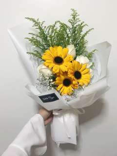 Hand bouquet | graduation I