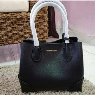 READY STOCK Michael Kors Mercer Corner MD Centre Zip Leather Tote In Black