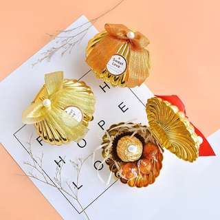 European Style Gold Scallop Shell Favor Box