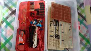 Circuits, breadboard set