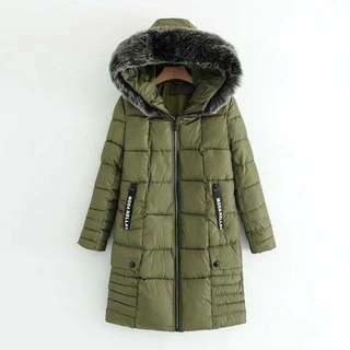 47037 - Green/White/Black Winter Fur Head