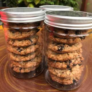 FRESHLY BAKED LACTATION COOKIES DELIVERED EVERY FRIDAY