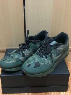 Nike air max green camo size 10