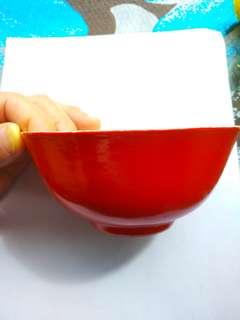 古董紅色碗一個,相當罕見