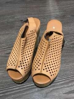 🚚 abito 專櫃真皮契型魚口涼鞋鞋 38