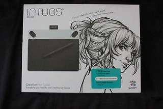 Wacom Intous digital drawing tablet with creative pen rush