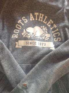 Roots hoodie medium