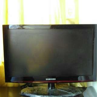 TV LCD SAMSUNG 24 INCH