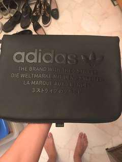 🚚 WTT/WTS Adidas The Brand With 3 Stripes Black Sleeve Bag