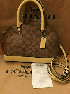 100% authentic coach hand/sling bag