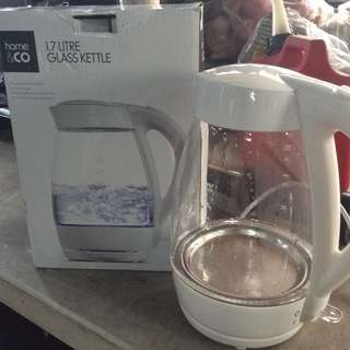 Home and co. 1.7 liters Glass Kettle